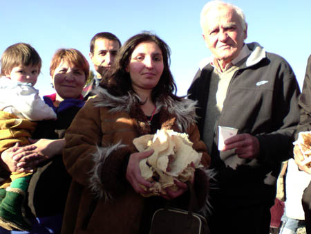 Ara Mavoian, the president of SAA with people.